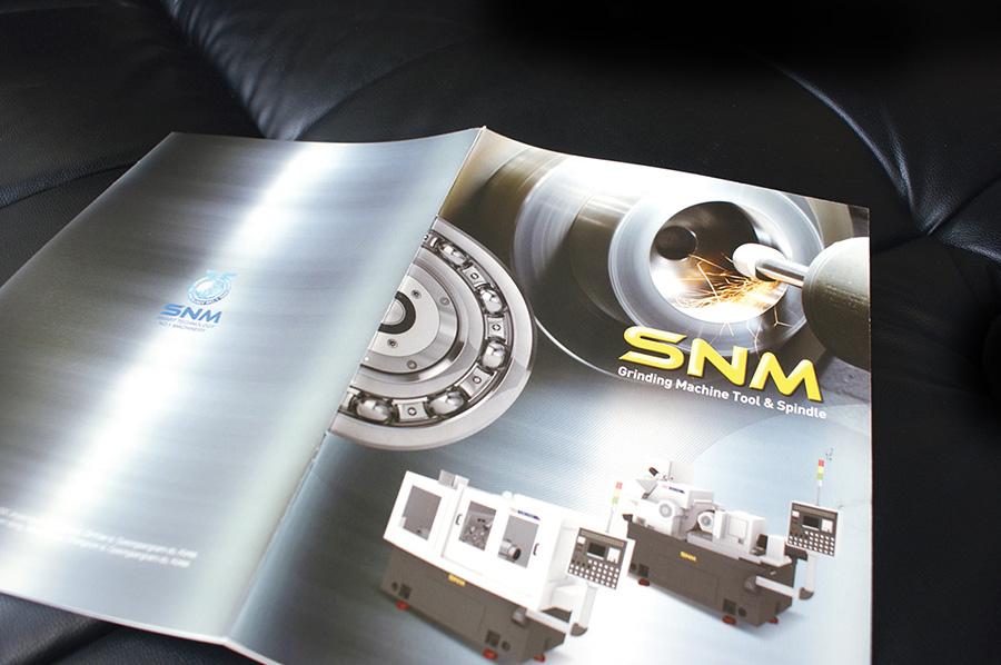 에스엔엠기업제품 카타로그 제작의뢰는 제품카탈로그 디자인 편집 제작 전문업체 더레이아웃 입니다